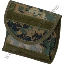 molle_vest_accessory_universal_id_pouch_marpat[1]